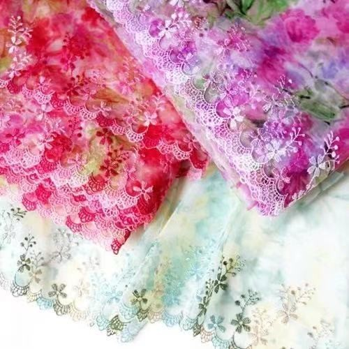 P083 レース生地 チュールレース 刺繍+プリント花 緑 春の生地