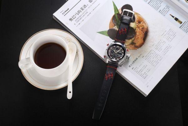 2019 Oulm ビッグサイズ軍事デュアルタイムデジタル腕時計メンズカレンダーアラーム多機能防水メンズ腕時計トップブランド高級_画像5