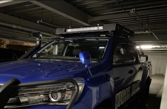 [在庫有即納][当社オリジナル] トヨタ ハイラックス 125 専用 ルーフラック ルーフキャリア LED SUV ランクル ハイラックス プラド サーフ_画像2