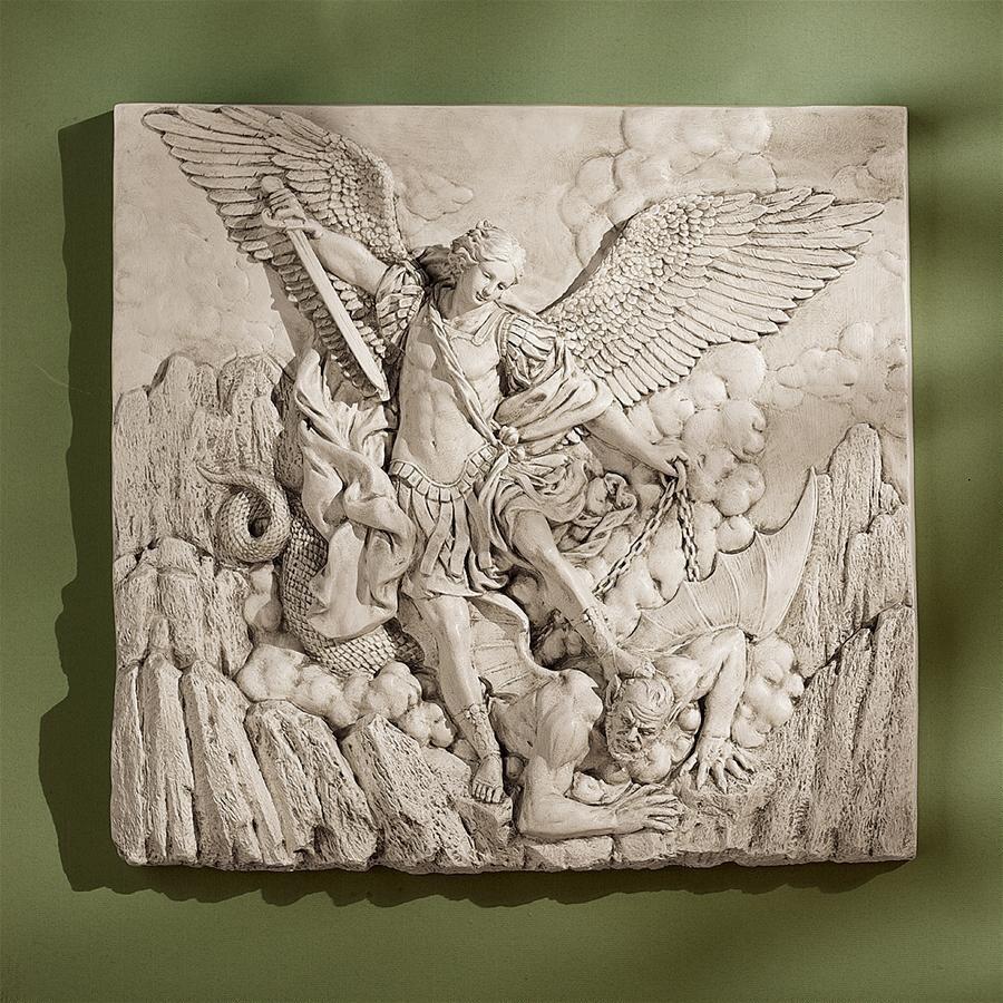 悪魔を倒す天使 壁掛け装飾レリーフキリスト教美術サタンを踏む大天使ミカエルアークエンジェル壁飾りインテリア置物西洋彫刻洋風オブジェ_画像2