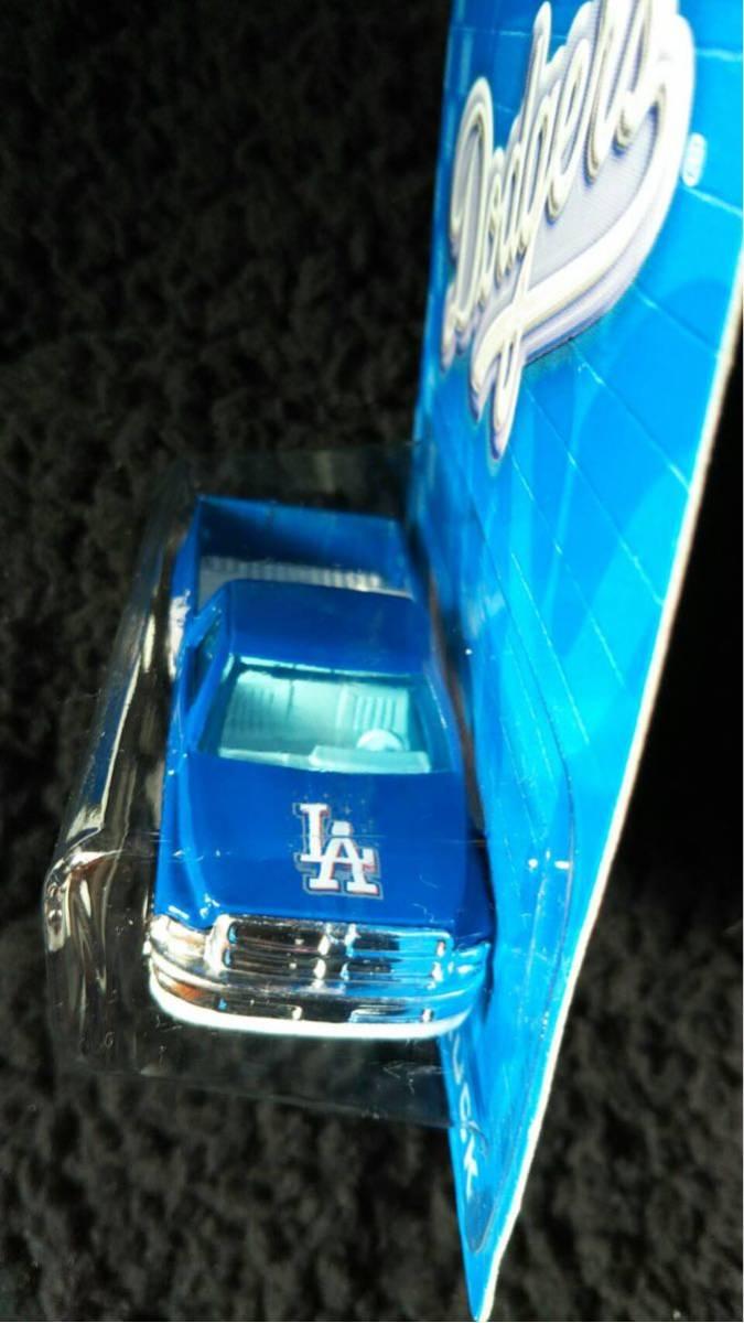 Hot Wheels ホットウィール MLB ドジャース 限定 Dodge RAM トラック ミニカー ダッジ Dodgers 大リーグ アメリカ 雑貨 アメ車 メジャー_画像4