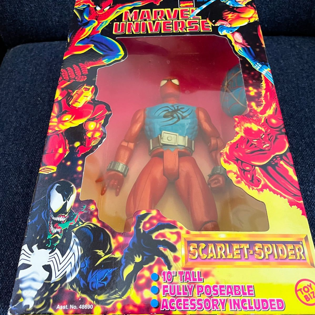 未開封 1997年製 TOYBIZ トイビズ マーベルユニバース 10インチアクションフィギュア SPIDER-MAN スパイダーマン スカーレットスパイダー_画像2