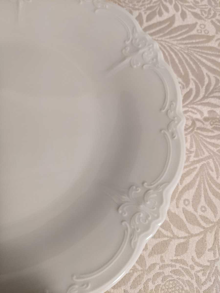 未使用 フッチェンロイター バロネスホワイトプレート 26cm 正規品 上品でエレガント ウエッジウッド好きにも _画像4