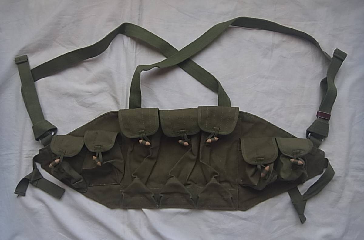 実物 ローデシア軍 AK47 FAL 56式 マガジンチェストリグポーチ 70年代捕獲品 特殊部隊 セルーススカウツ RLI SAS 南アフリカ RECCE 32大隊_画像2