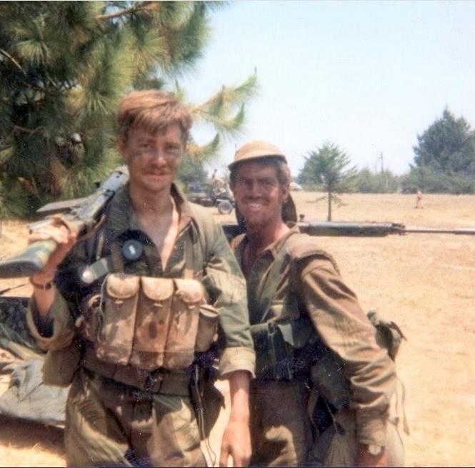 実物 ローデシア軍 AK47 FAL 56式 マガジンチェストリグポーチ 70年代捕獲品 特殊部隊 セルーススカウツ RLI SAS 南アフリカ RECCE 32大隊_RLI FN-FAL30連マガジン使用