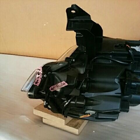 スペーシア カスタム MK32S 右 ヘッドランプ ユニット HID 中古_画像6