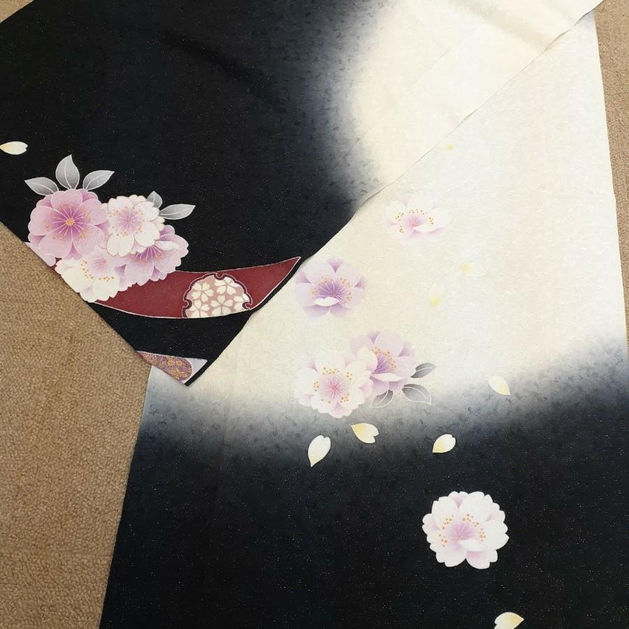 正絹 20504 振袖生地 白地 黒グレーぼかし 桜 はぎれ ハギレ リメイク