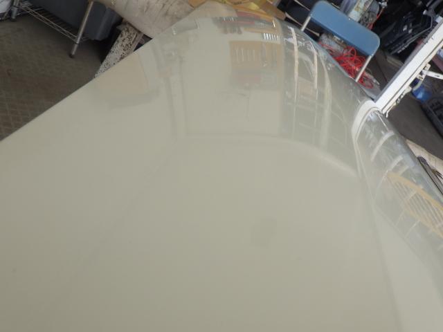 200系 ハイエース レジアスエース 標準用 ボンネット フード 058 ホワイト 白 53301-26080 中古 即決_画像3