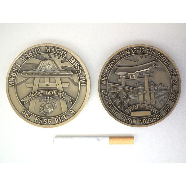 米海兵隊・岩国航空基地・バースデーメダル2個セット(1988年・1991年)・袋入り・処分品_画像2