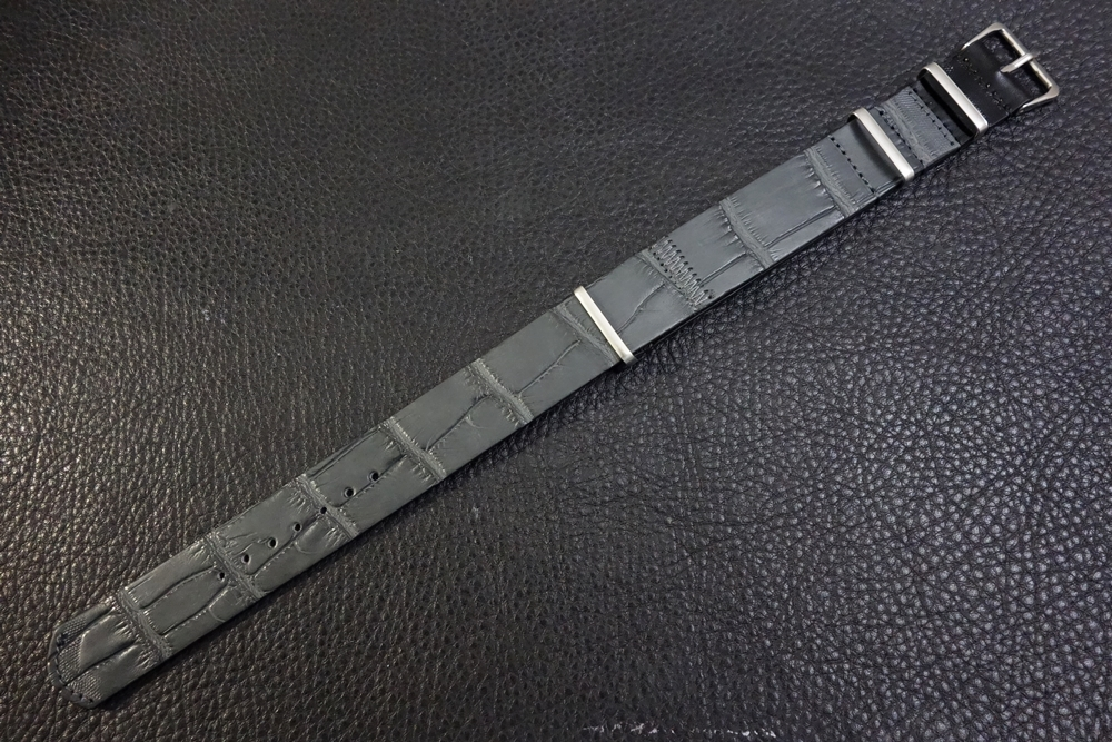 ◆クロコダイルNATO G10ストラップ◆本クロコダイルレザー マットグレー 20mm 強撥水 日本製 ワニ革 ミリタリー ブレスレット 腕時計ベルト_画像1