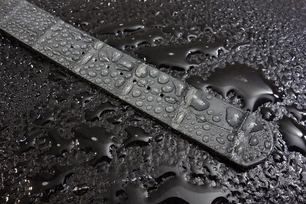 ◆クロコダイルNATO G10ストラップ◆本クロコダイルレザー マットグレー 20mm 強撥水 日本製 ワニ革 ミリタリー ブレスレット 腕時計ベルト_復元性特殊撥水ポリマーにより強力に撥水