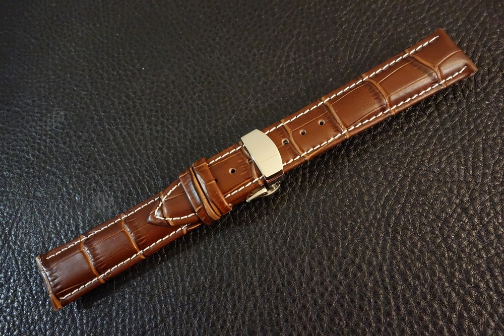 ◆Dバックル腕時計ベルト◆ クロコ型押しカーフレザー 20mm 強力撥水 ブラウン 新品 バネ棒 バネ棒外し付 本革 茶 ステンレス ブレスレット_白ステッチバージョンも選択可。