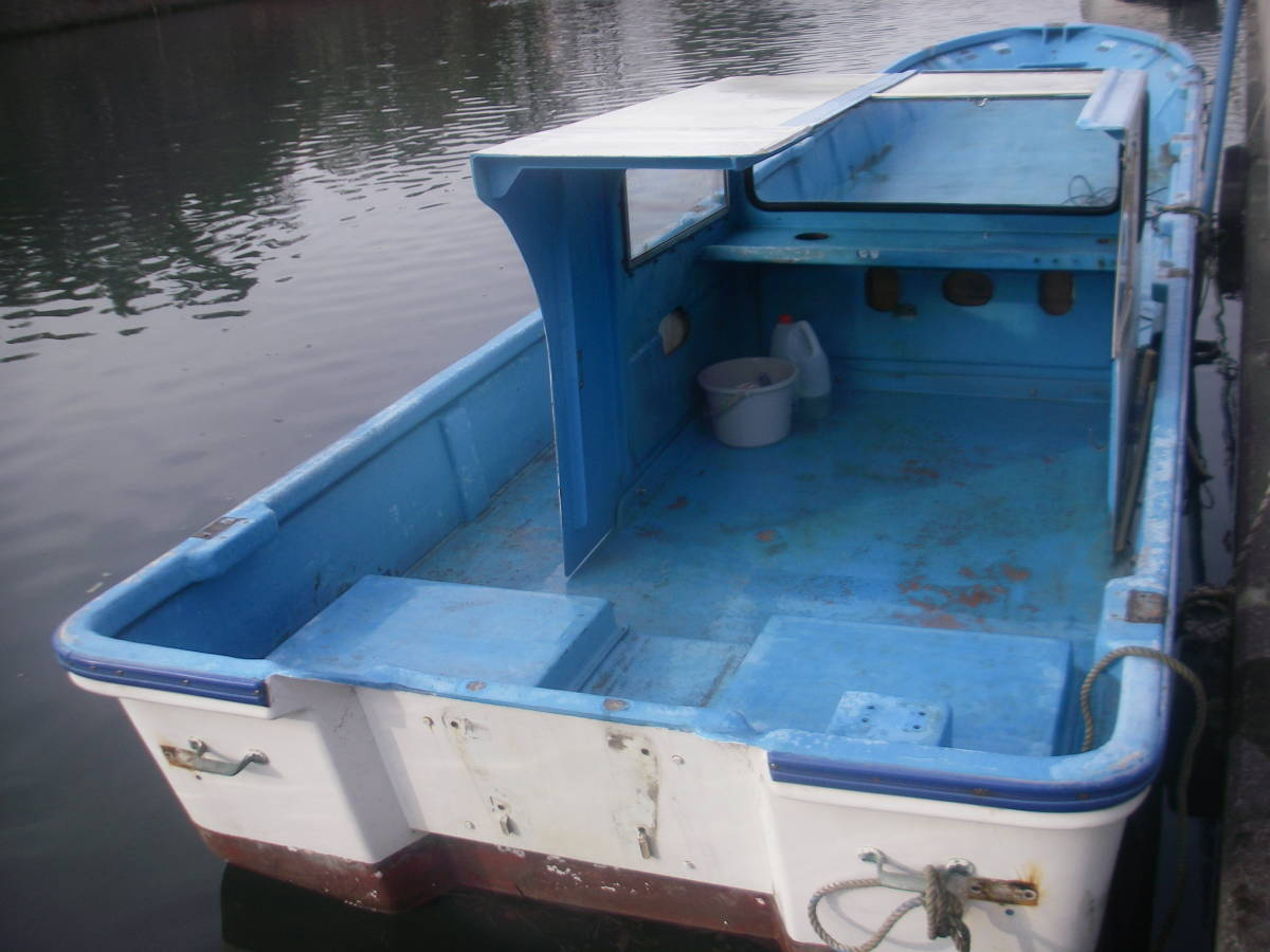 「地場造船所の漁師御用達27尺和船です。レストア中ですが艤装工作の暇が取れない為、残念ですが出品します。」の画像2