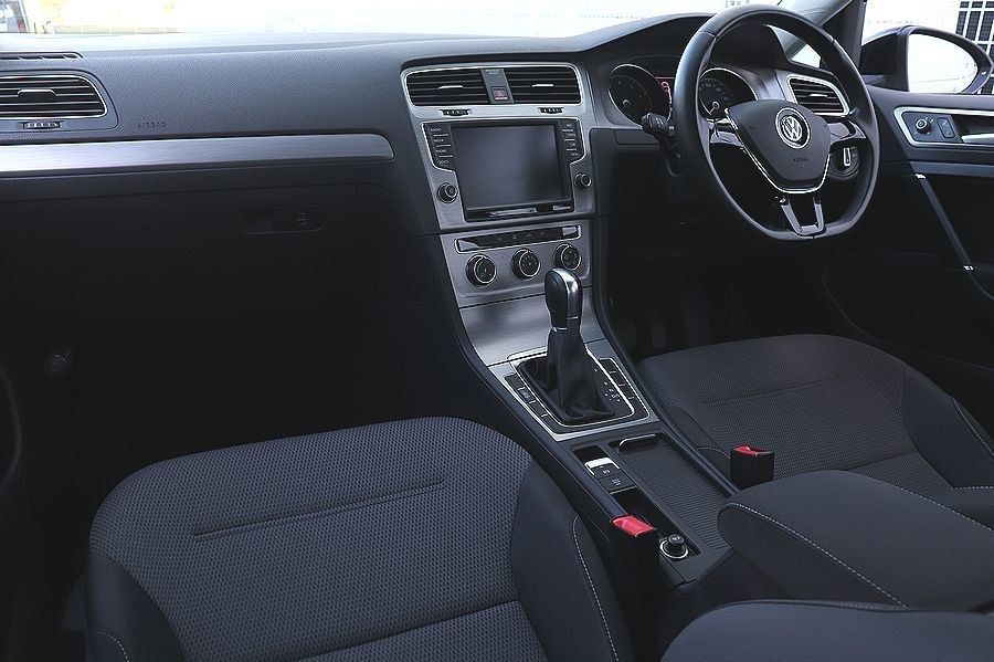 【 1オーナー 】 2014y VW ゴルフ ヴァリアント TSI コンフォートライン ブルーモーション OZ18AW 検R5/6_内装の状態もコンディションは良好です。