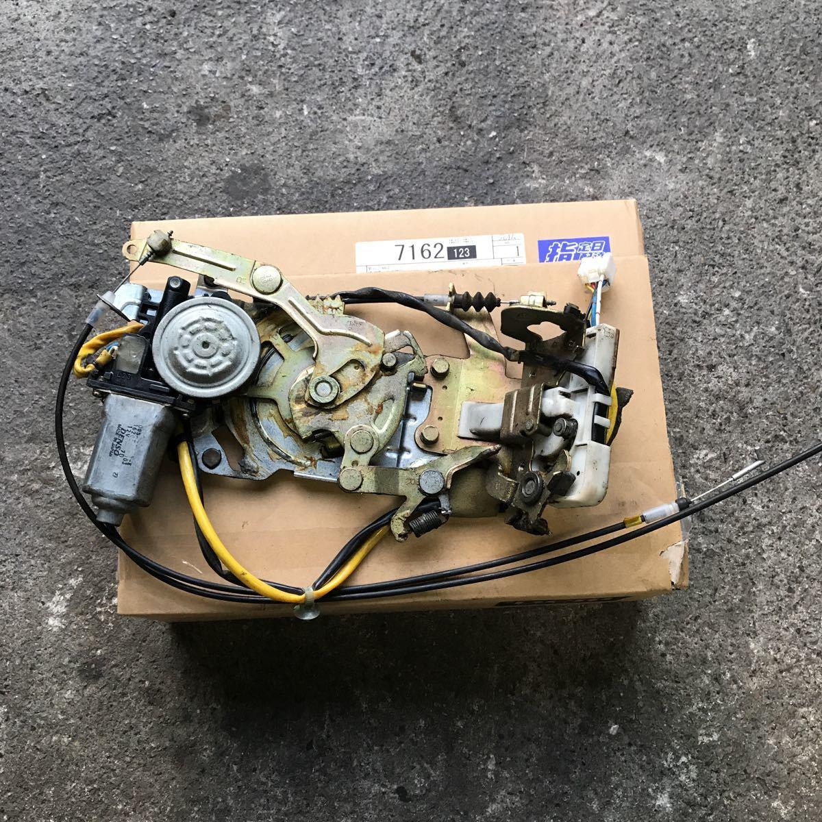 マツダ MPV LW3W 右スライド 右リア イージークローザー ドアロック アクチュエーター オートロック ソレノイド LD52-72-310_画像1