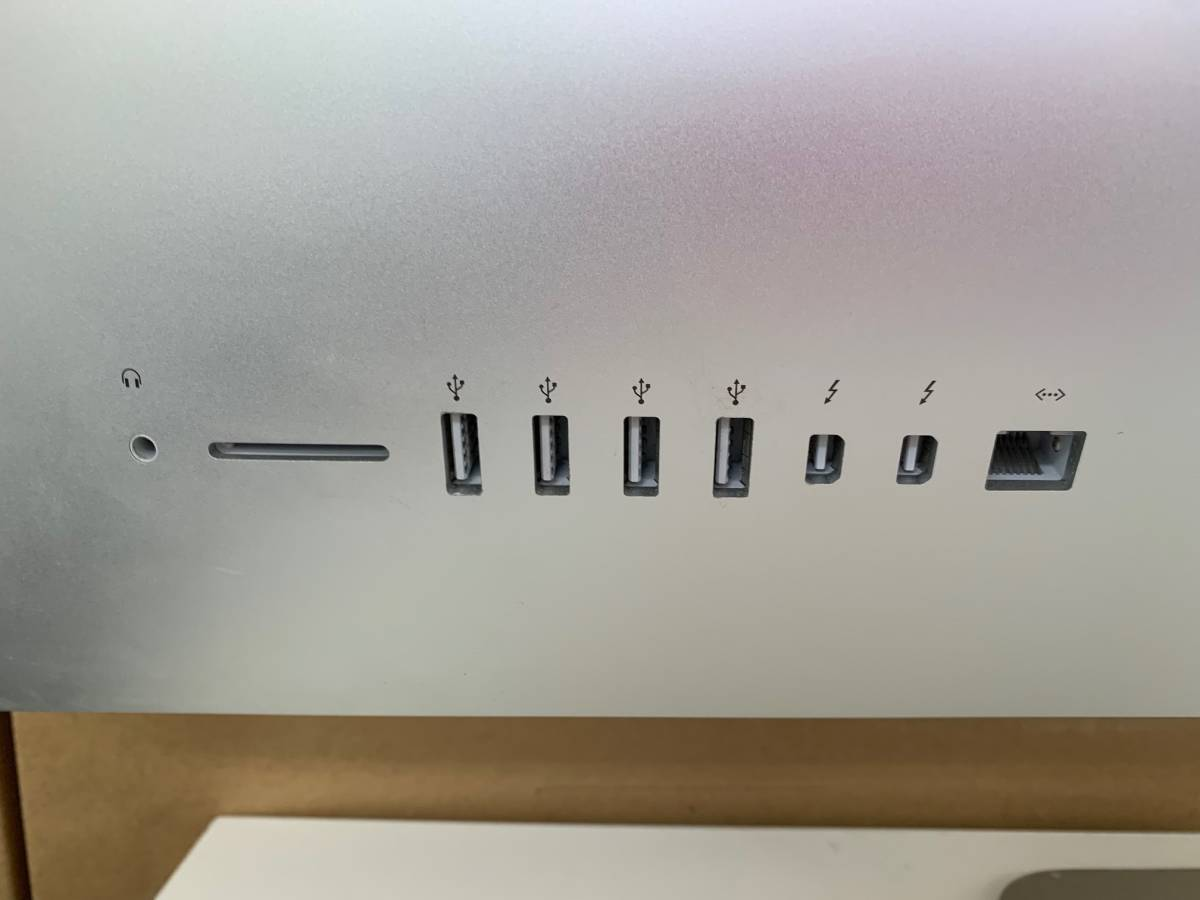 684 Apple iMac Late2015 5K 27インチ MK482J/A CPU Core i5 3.3GHz メモリ 8GB Fusion Drive 2.12TB 中古_画像3