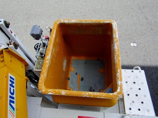 即決!いすゞ エルフ 高所作業車 アイチ製 SE08A(8m) 5速MT ディーゼル NOx適合 バックカメラ_画像8
