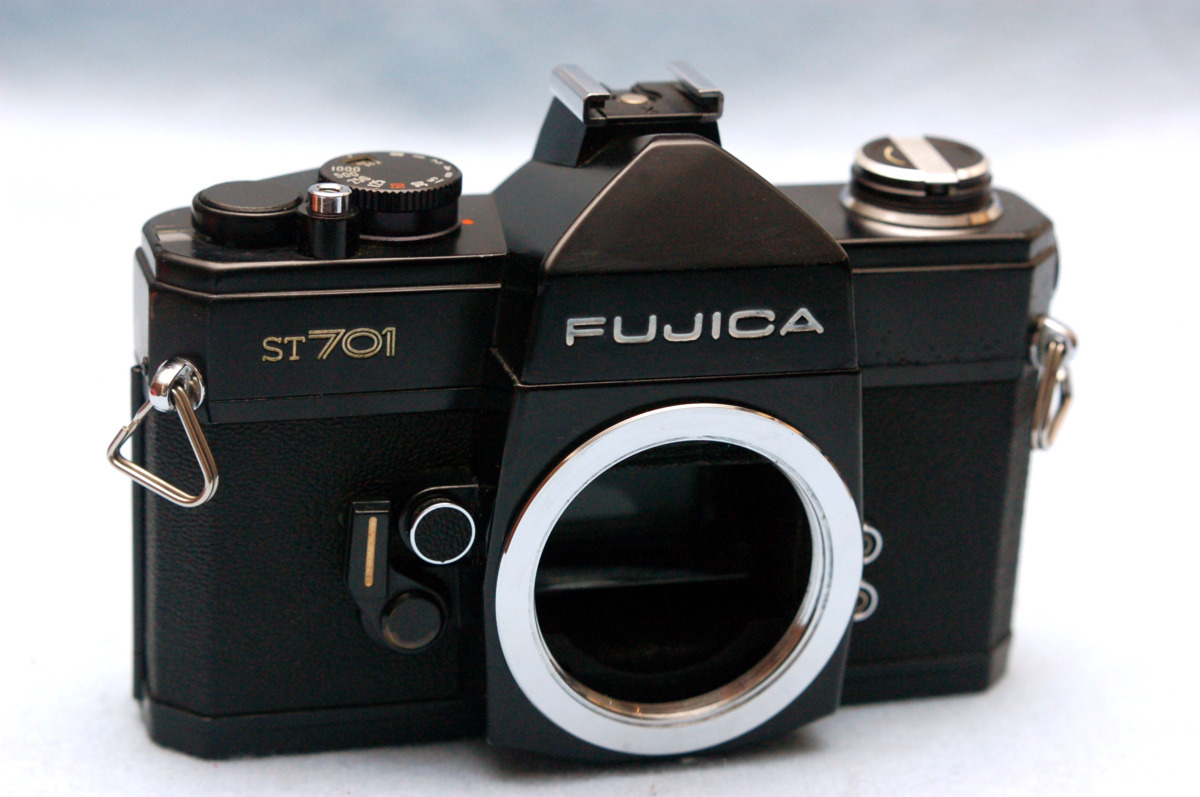 FUJICA フジカ M42マウント専用 昔の高級一眼レフカメラ ST701黒ボディ 綺麗:希少品 (腐食無し)