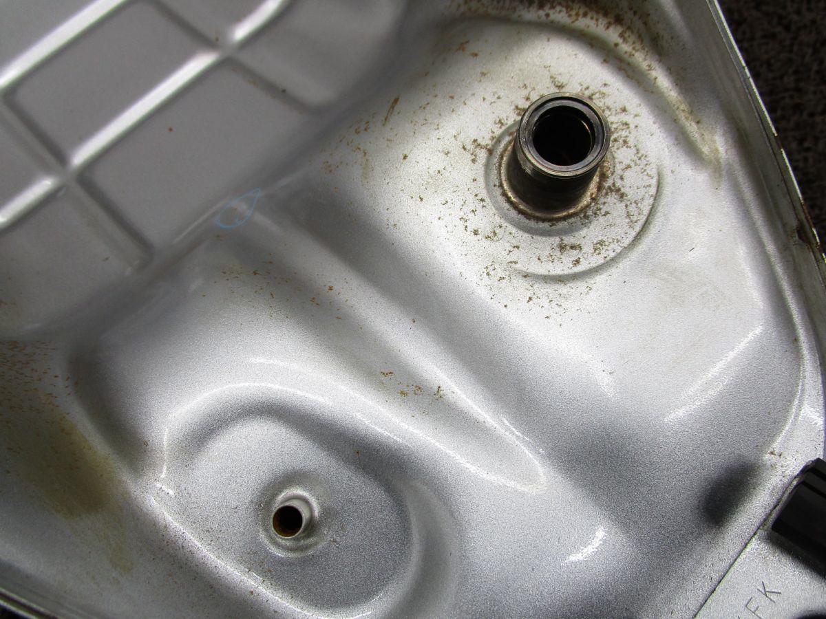 VTR250 ガソリンタンク □XF39!MC33 修復素材に ホンダ 【 MC15E 】 キャブ車_画像6
