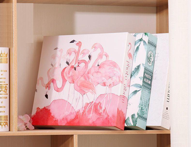 【訳あり】フォトアルバム フラミンゴ 水彩画風 ケース付き 大容量_画像3