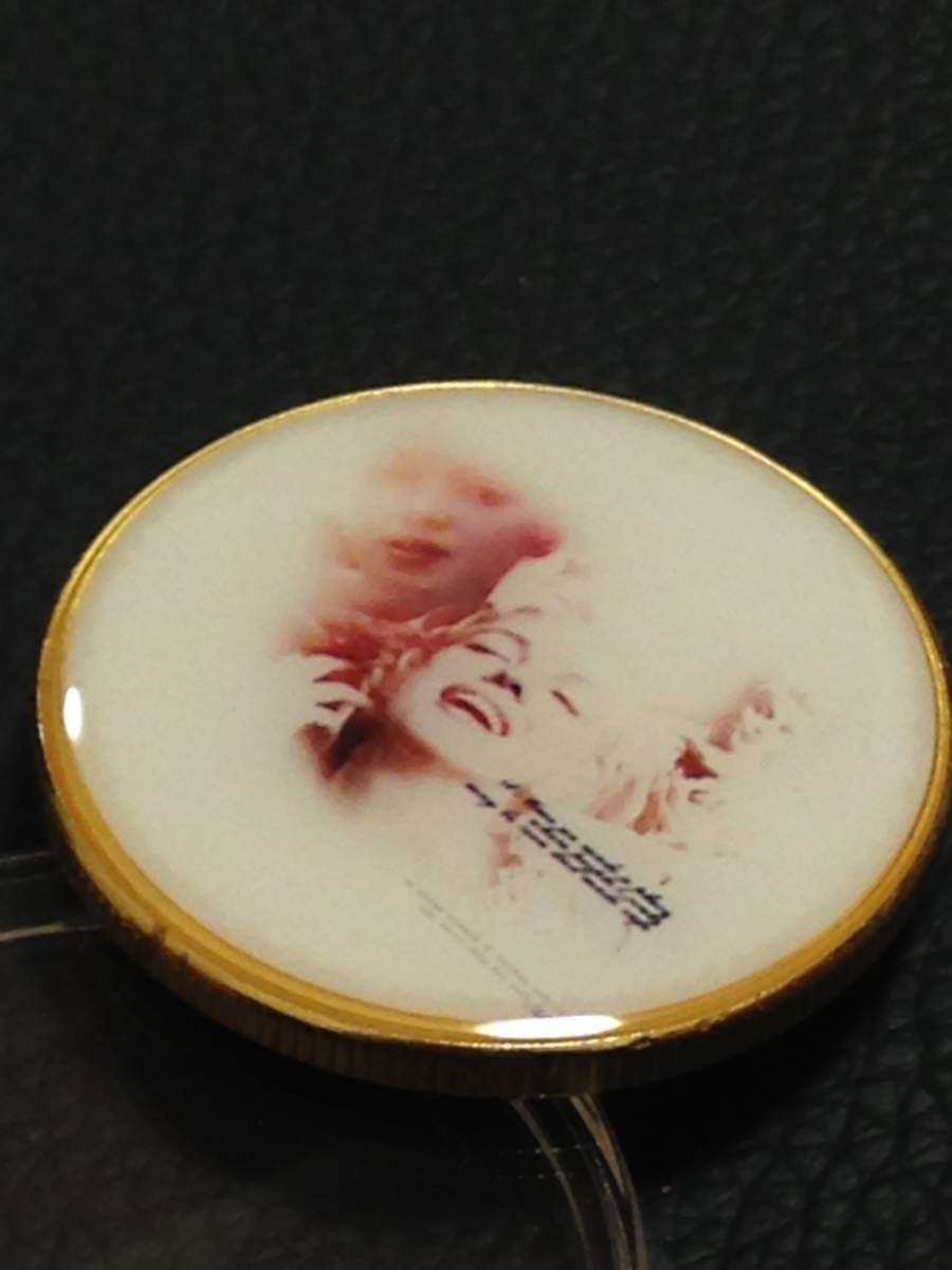 B72)海外丸形記念金貨、カラーコイン、メダル*アメリカスパースターマリリン・モンロー*参考品1枚 セクシー ノーマジーン_画像2