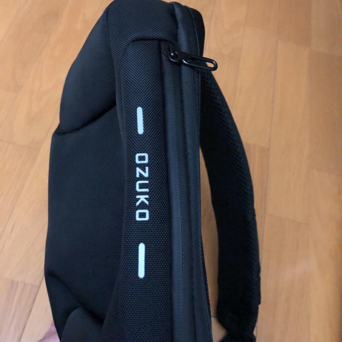 ボディバッグ ショルダーバッグ レディース メンズ 斜めがけ 肩掛け 防盗 USB 充電 携帯充電 撥水 おしゃれ(ozuko)