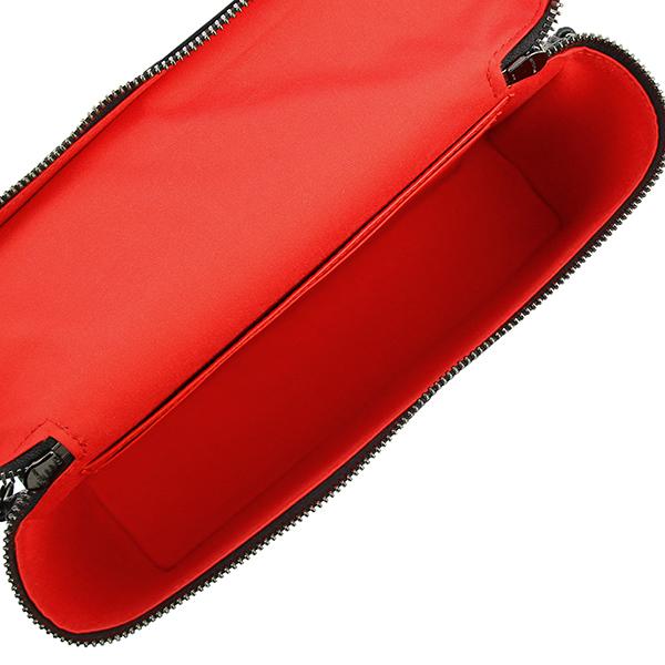 h-c134 美品 クリスチャン ルブタン キピポーチ ショルダーハンドバッグ クロスボディ スタッズ レザー ブラック メンズ レディース 中古_画像6