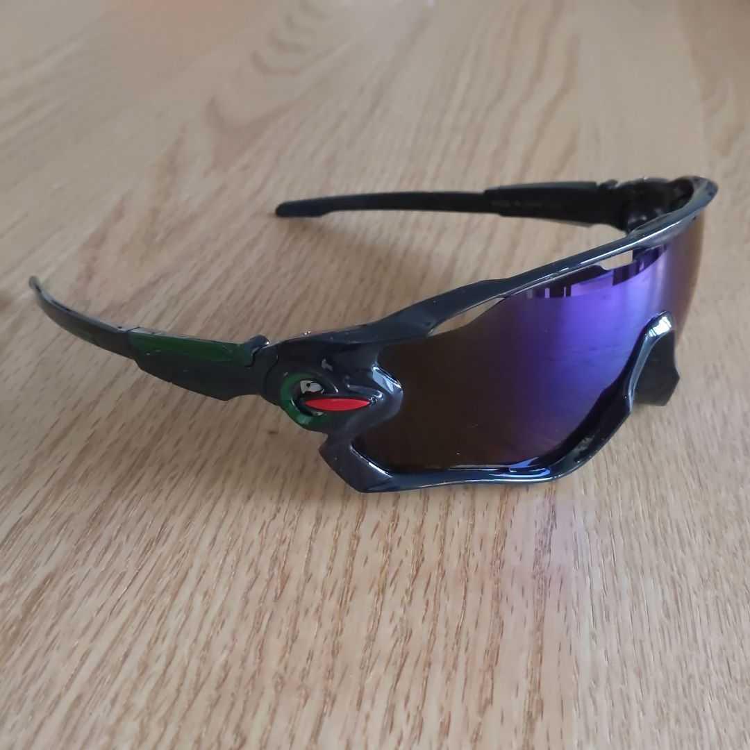 【新入荷】スポーツサングラス!!男女兼用!インポート品!自転車、ドライブ、ゴルフ、釣り、スキーなど多種多様!