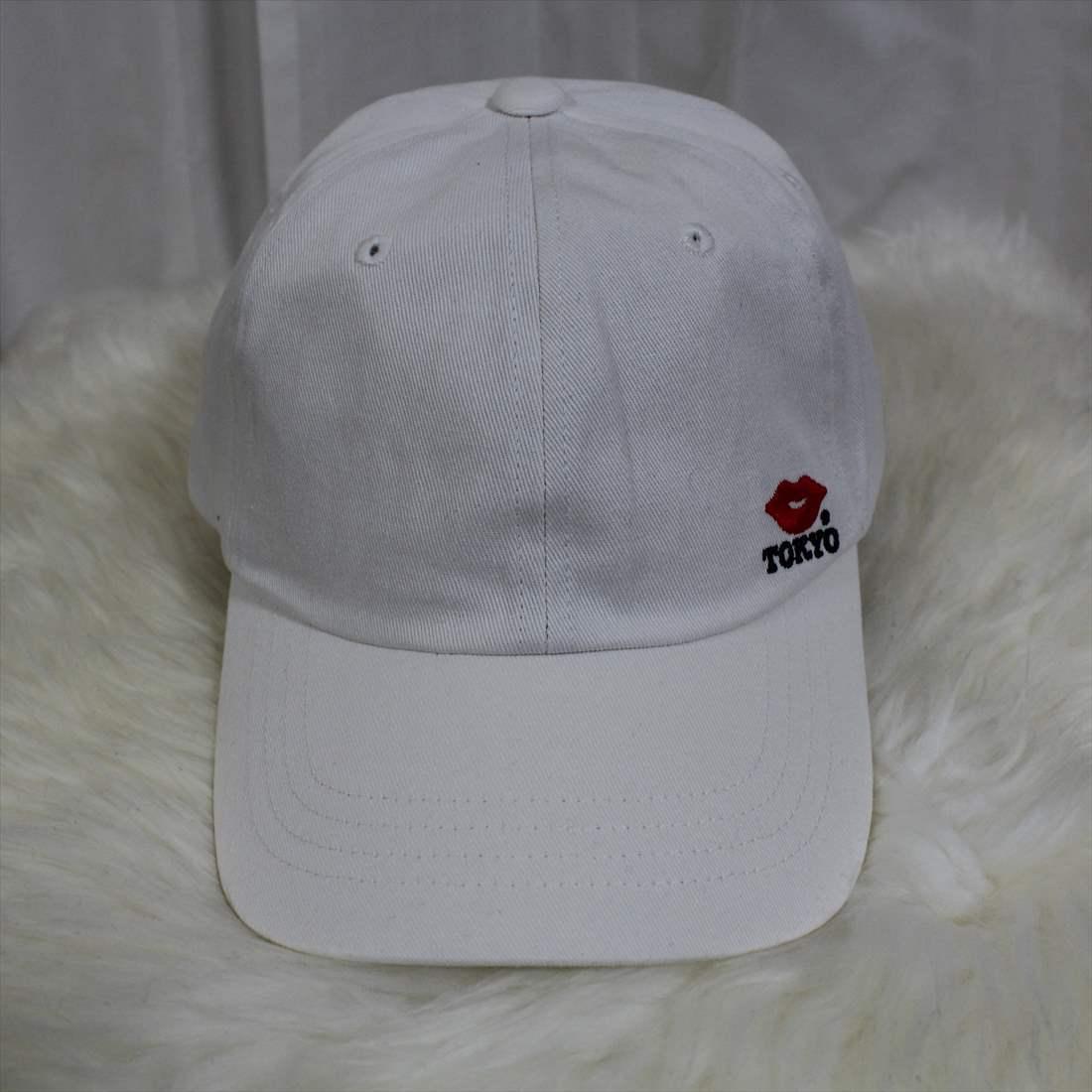KISS TOKYO LIP LOGO LOW CAP サイドロゴ刺繍 ホワイト キャップ 新品 白 帽子_画像1