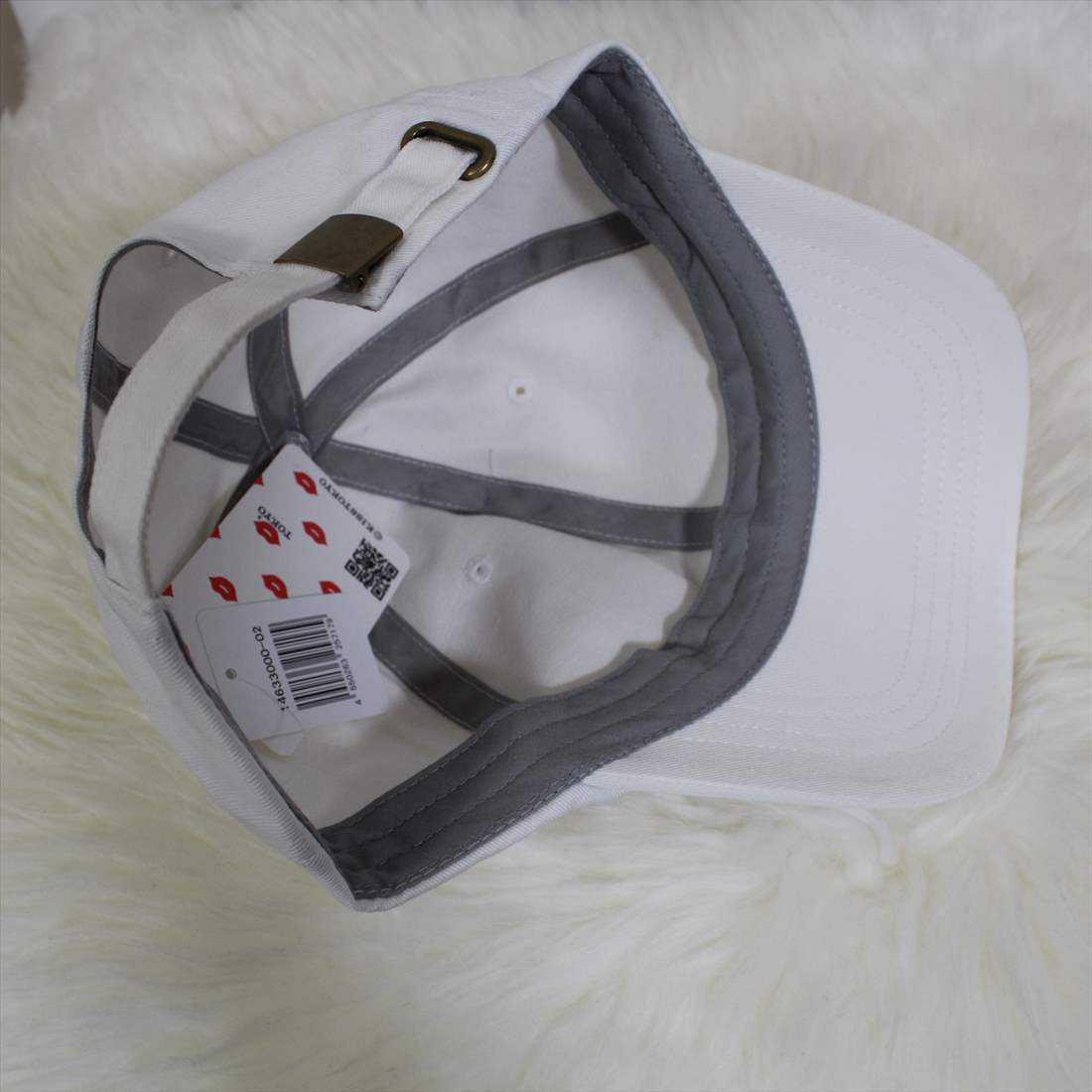 KISS TOKYO LIP LOGO LOW CAP サイドロゴ刺繍 ホワイト キャップ 新品 白 帽子_画像5