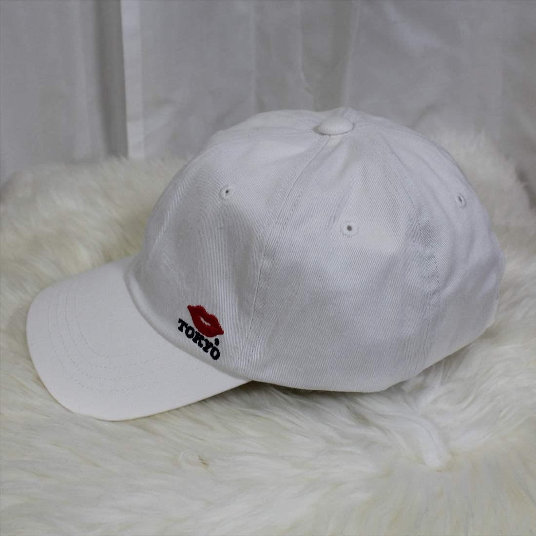 KISS TOKYO LIP LOGO LOW CAP サイドロゴ刺繍 ホワイト キャップ 新品 白 帽子_画像4