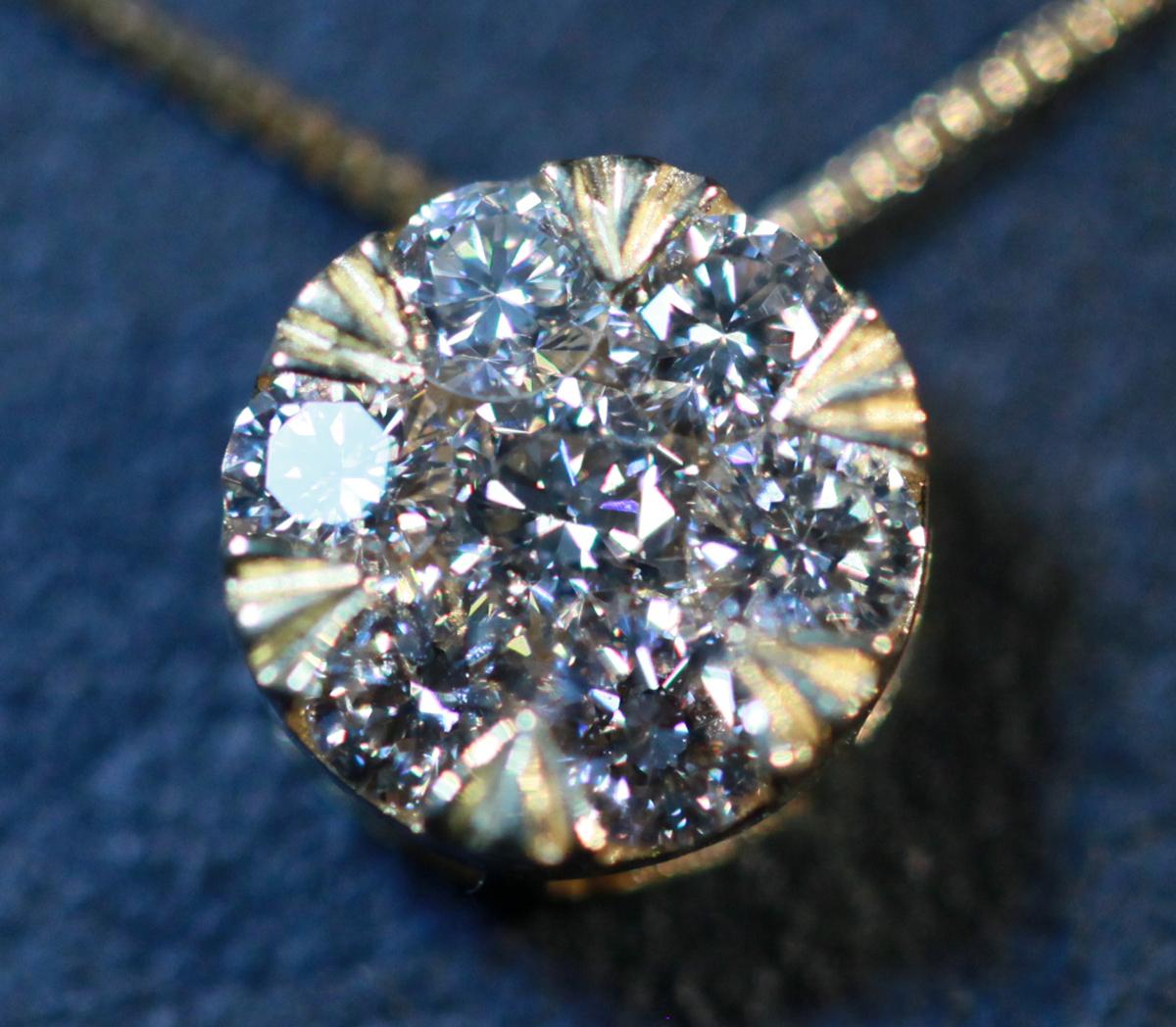 *PN5643YG【ブライダル!業者にも!】 1.8ctの大粒ダイヤに見える!天然上質ダイヤモンド0.60ct 最高級18金WG無垢ネックレス 新品