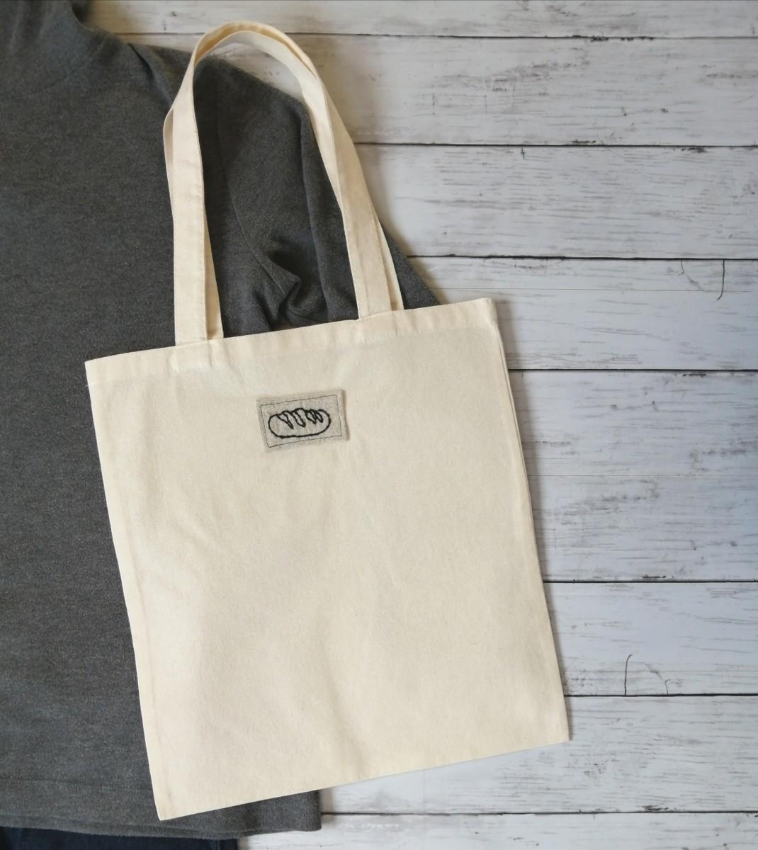 ハンドメイド 黒パン ワッペン 手縫いの刺繍 トートバッグ ショルダーバッグ
