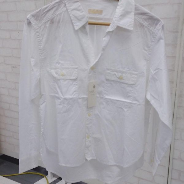 【ky129】新品 アースミュージック&エコロジー 白シャツ ブラウス  _画像1