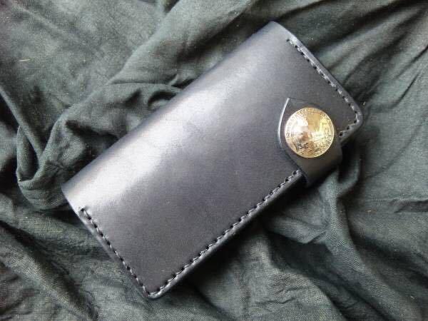 ハンドメイド/手縫い 本革 iPhoneSEケース iPhone8ケース iPhone7ケース ブラックレザー手帳_画像1