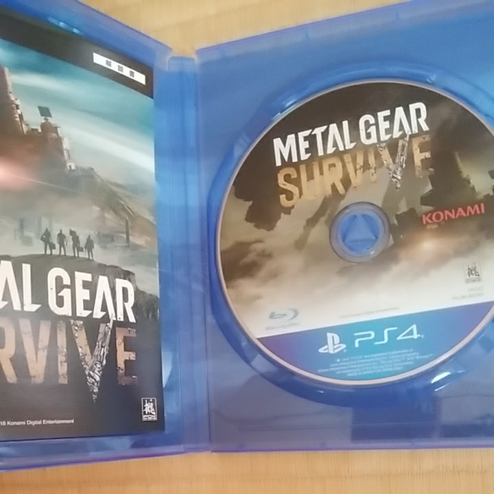【PS4】 メタルギアソリッド5 + METAL GEAR SURVIVE 2本セット