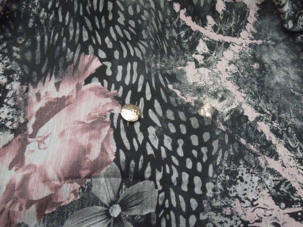 現品限り!掘り出し品!イタリー製!高級ブランドオリジナル!なかなか手に入らない!糸細上質ポリ100%!シホン楊柳!140cm巾×1.4mm_イタリー製高級ブランド シホンクレープ