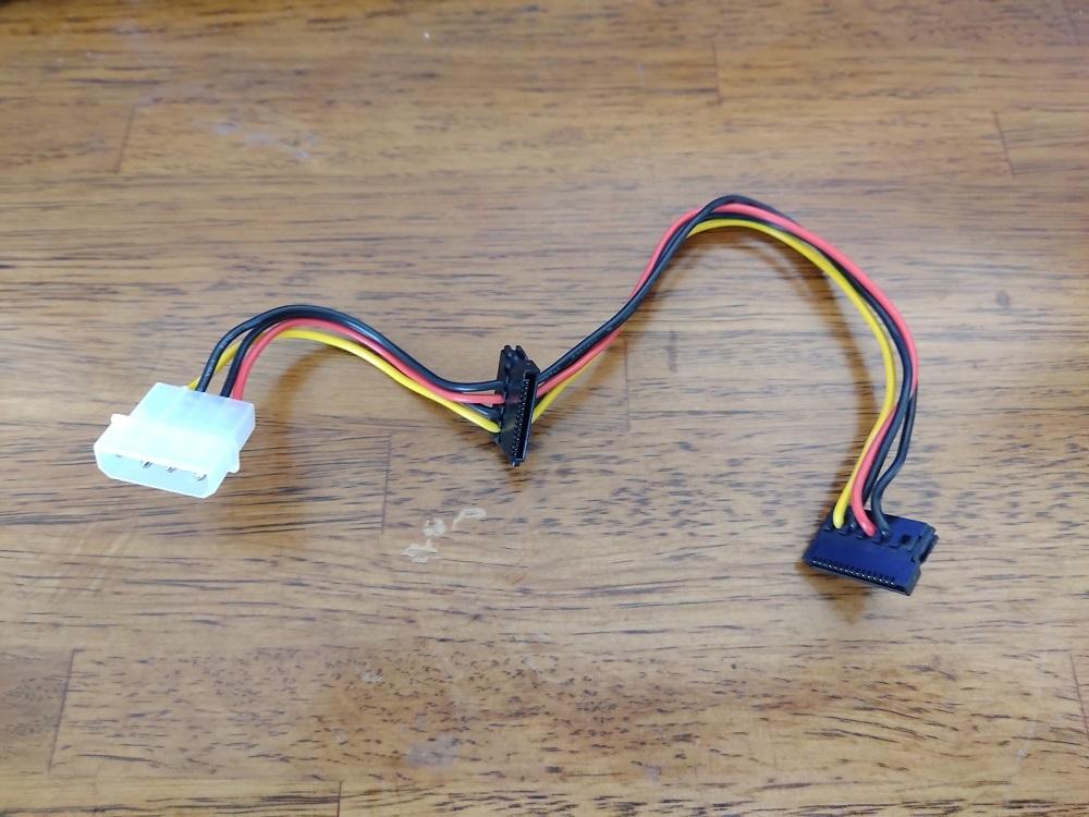 【動作未確認品】電源分岐変換ケーブル(IDE→SATA×2)
