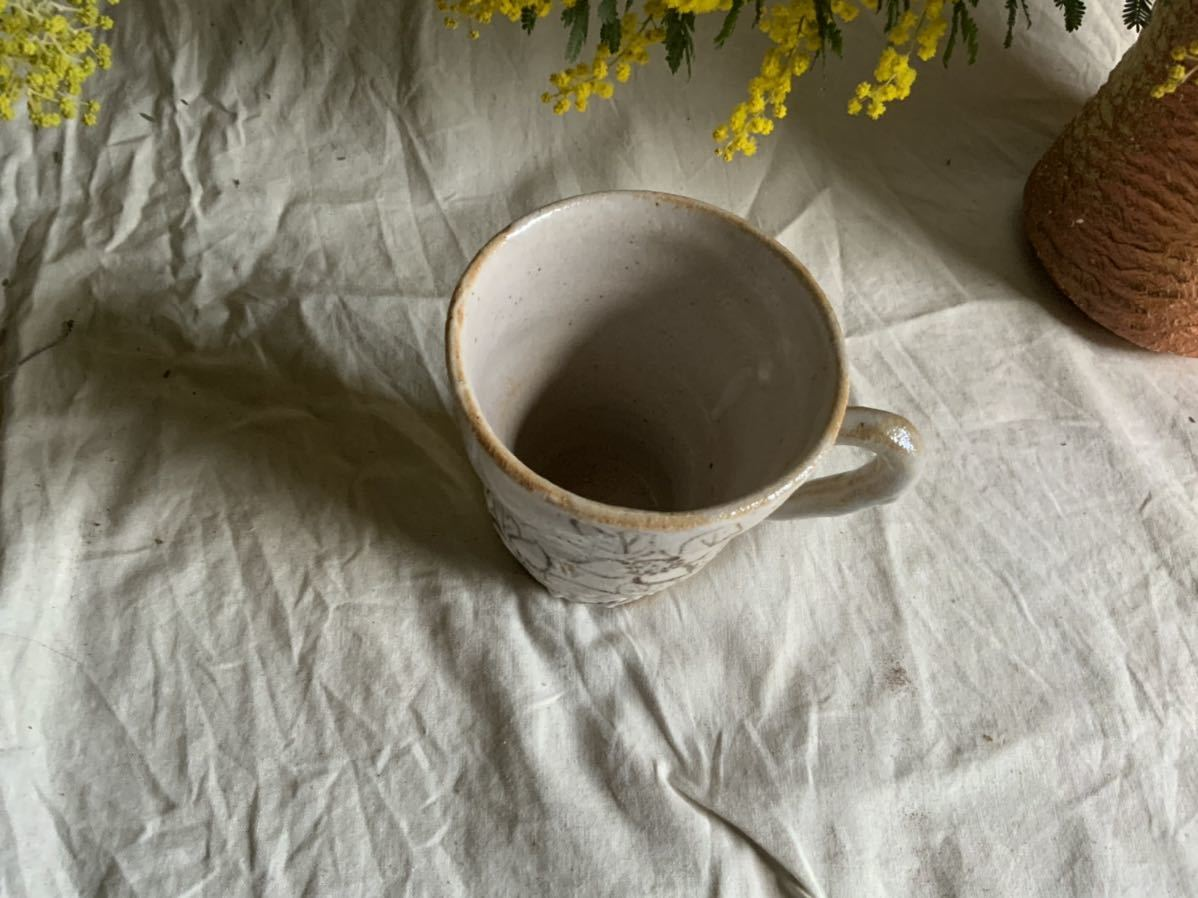 173 花の絵 志野 マグカップ コーヒーカップ ティーカップ オブジェ インテリア 陶器 釉薬 珈琲 食器 草花_画像3