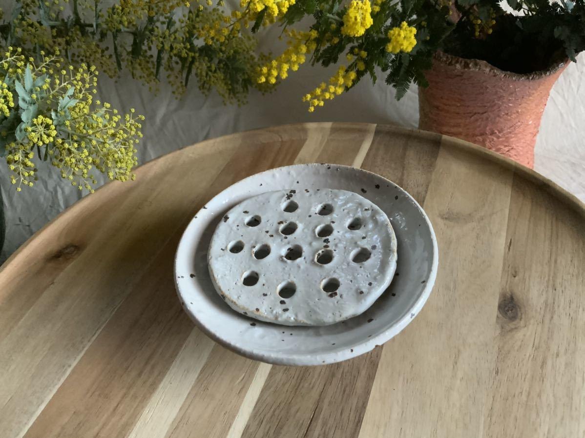 184 石鹸置き ソープデッシュ 石鹸皿 プレート オブジェ インテリア 陶器 釉薬 食器_画像2