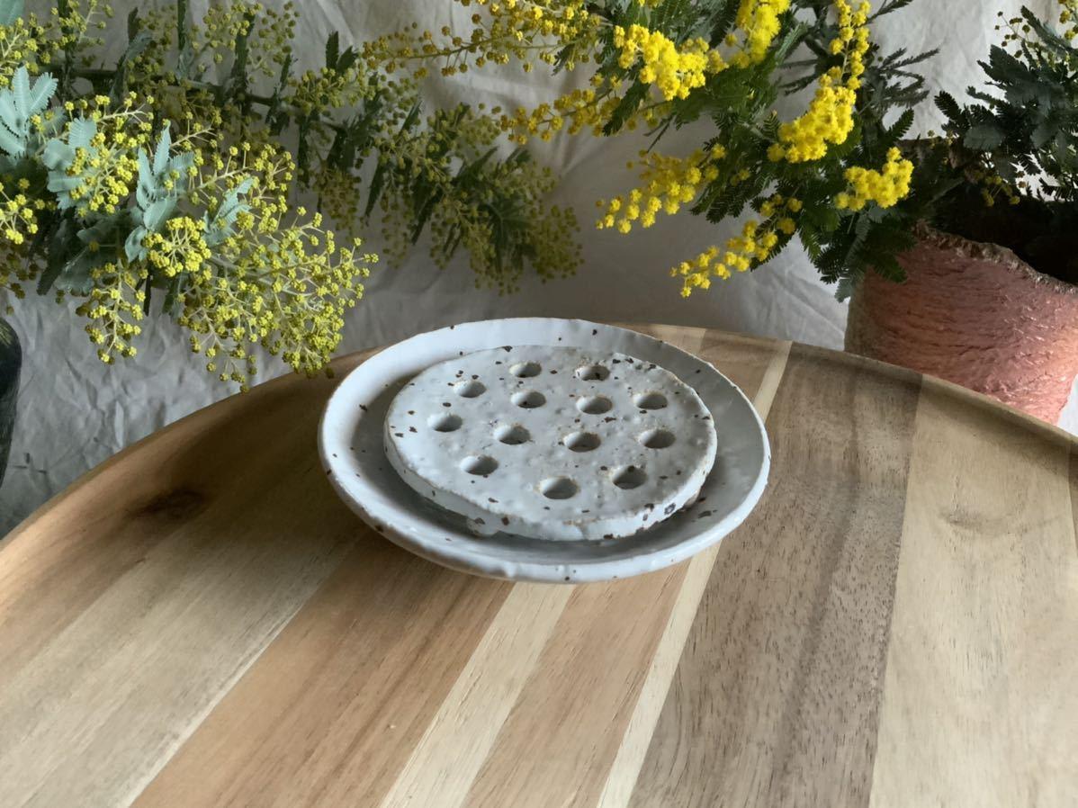 185 石鹸置き ソープデッシュ 石鹸皿 プレート オブジェ インテリア 陶器 釉薬 食器_画像1