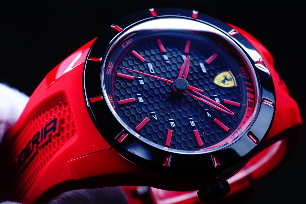 1円×2本 SCUDERIA FERRARI【スクーデリア・フェラーリ】FERRARI公式腕時計/新品本物 美しすぎるREDラバーベルトレーシングウォッチ30m防水
