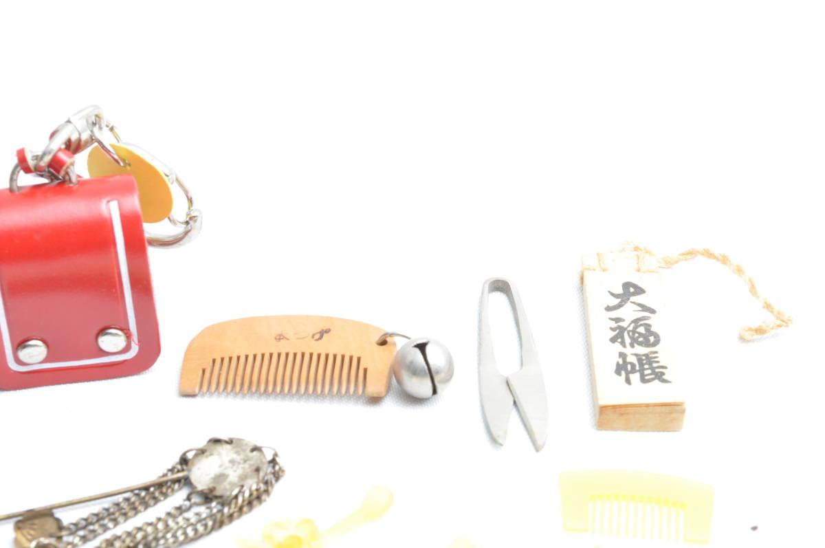 ミニチュア くし ランドセル コマ 置物 オブジェ レトロ 骨董 民芸品 ビンテージ ヴィンテージ 昭和レトロ_画像3