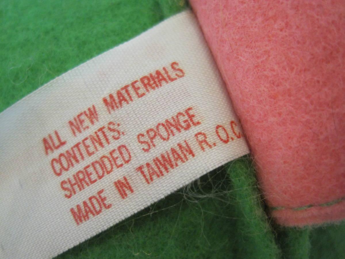 イースターバニー ヴィンテージ Pass Philimon&Hart 縫いぐるみ ピンク系 緑色の帽子とオーバーオール フエルト タグ付 1978年製 _画像9