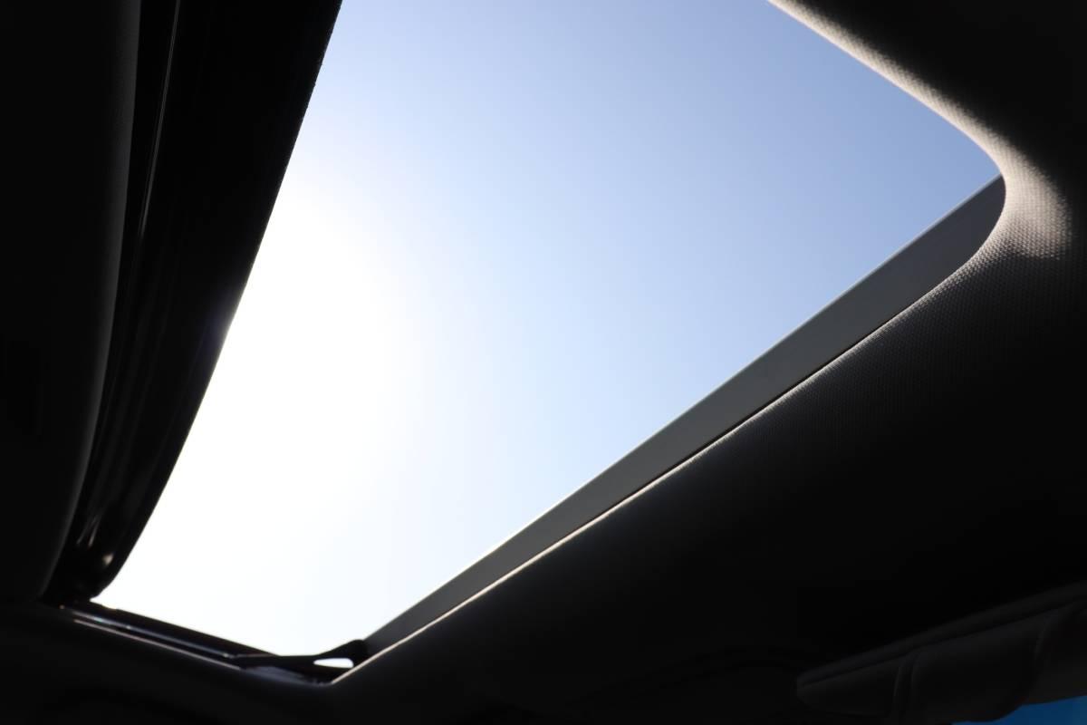「ホンダ オデッセイ 2.4 アブソルート レッド サンルーフ付き 78000㎞ HONDA」の画像3