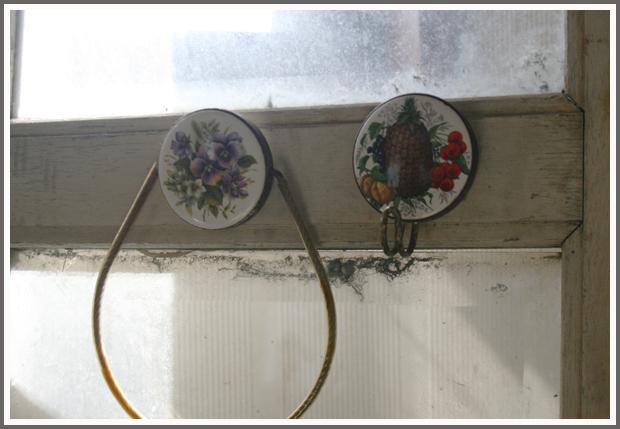 【アンティーク】壁掛け フック ハンガー ディスプレイ 雑貨 カントリー シャビー 蚤の市 タオルホルダー 布巾掛け 装飾 ★2個セット★_画像1
