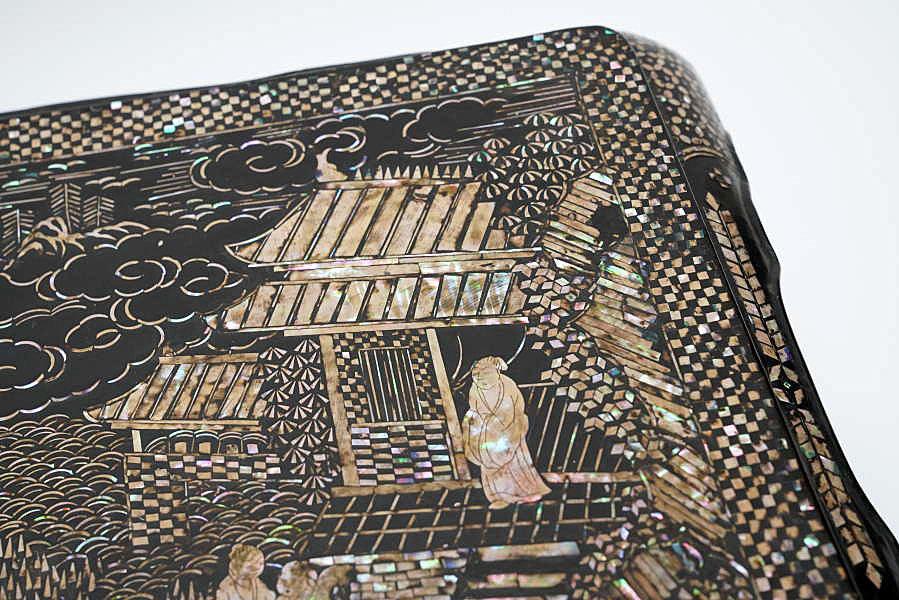 久米家伝来 中国美術 清明朝 青貝螺鈿楼閣山水人物鳳凰文花台 極細密細工 時代木箱入_画像6