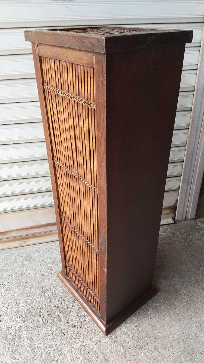 旧家買い取り品 収納箱 小引き出し 編み物 竹製 木製 昭和レトロ アンティーク 古い 収納棚 小物入れ _画像3