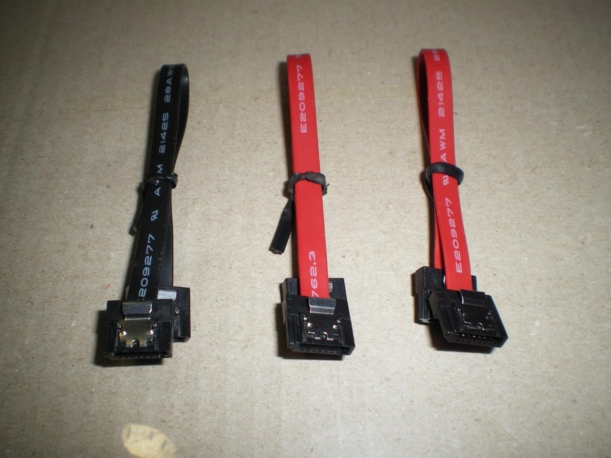 SATA 薄型ケーブル (各15cm) 計3本