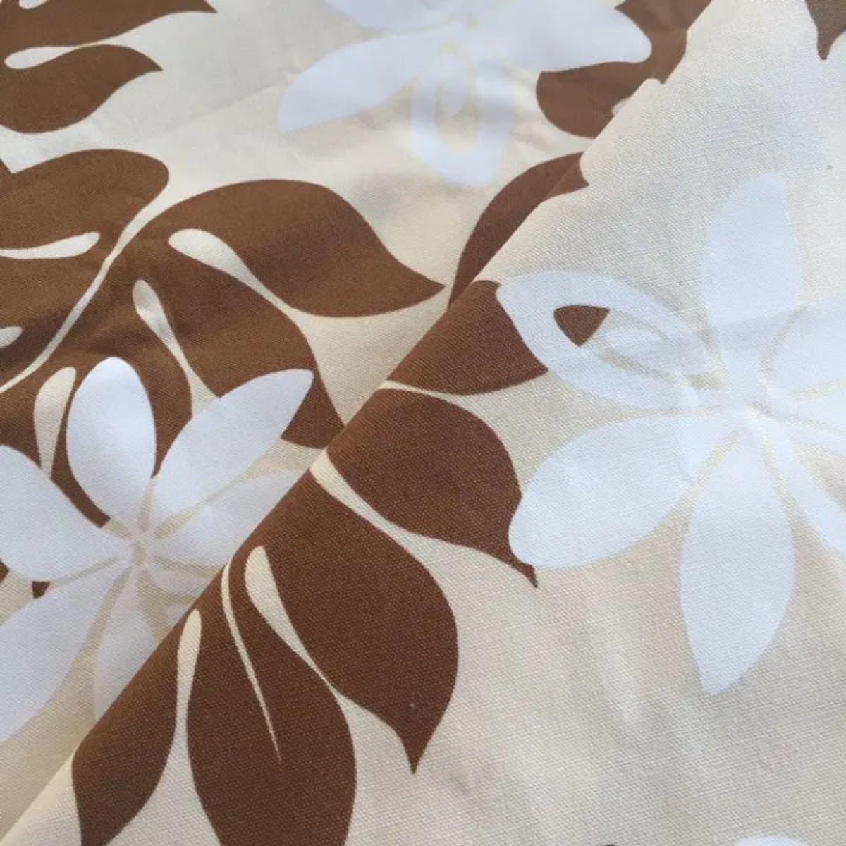 生地☆リーフ柄 100cm×50cm セブンベリー はぎれ 綿 布 ハワイ 日本製 茶 白 花 モンステラ